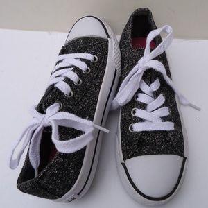 SIZE 13.5.Airwalk lurex Upper Girls Tennis Shoes.